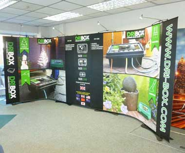 Exhibition Twist banner stands